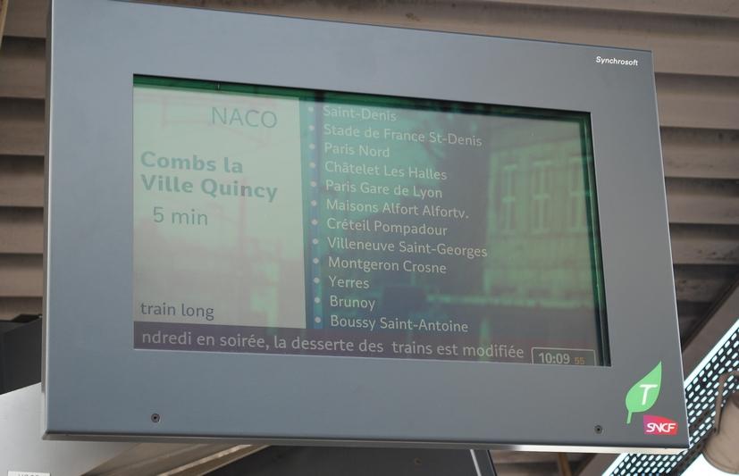 Ecran RER D info gare