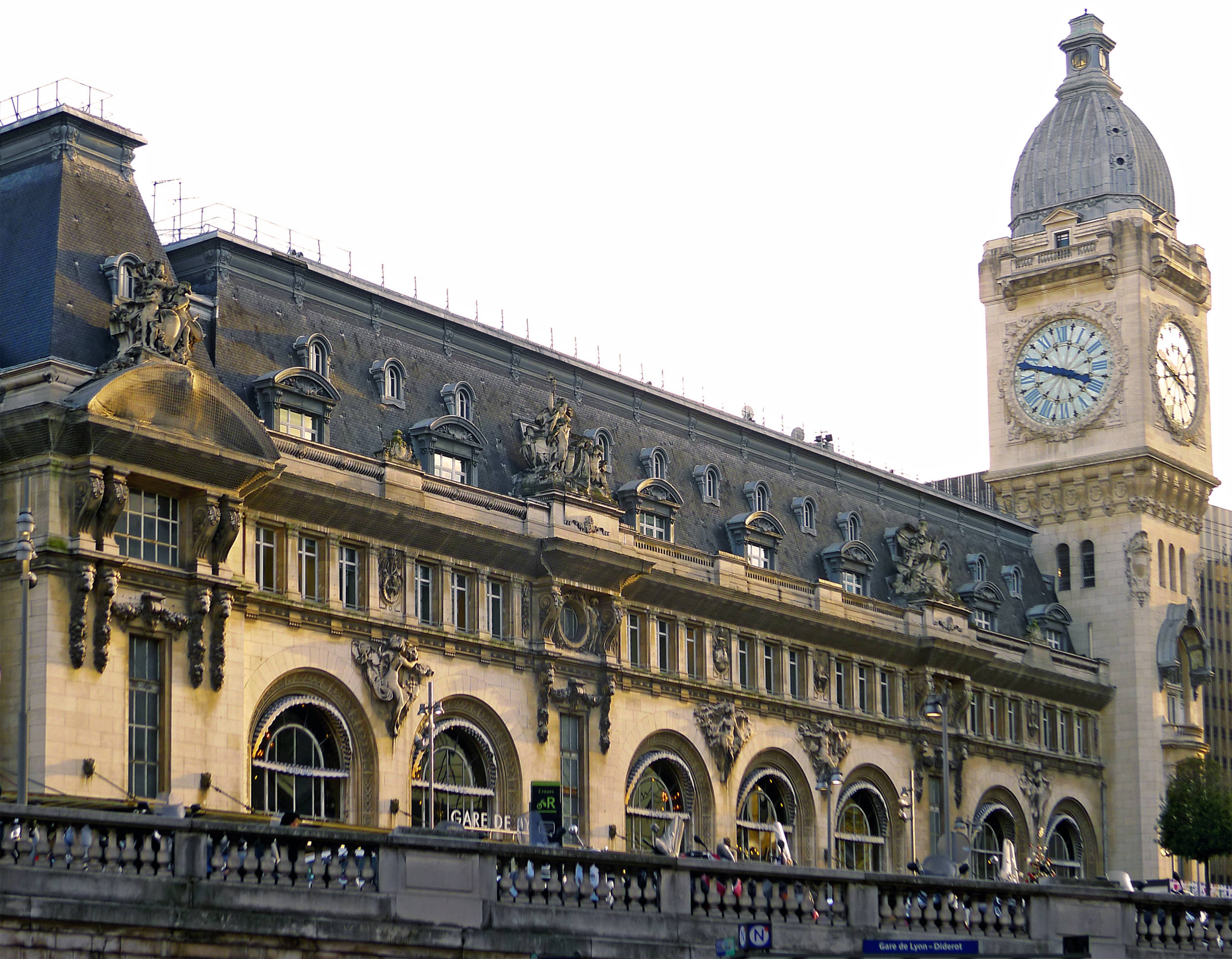 gare de paris gare de lyon son histoire. Black Bedroom Furniture Sets. Home Design Ideas